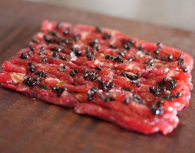 Beef tartar med skogsmyror. Foto: anitawko | Instagram