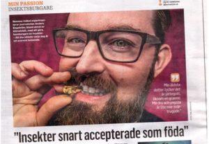 Från tidningen Journalisten. Brukar normalt inte posera med syrsa i munnen...